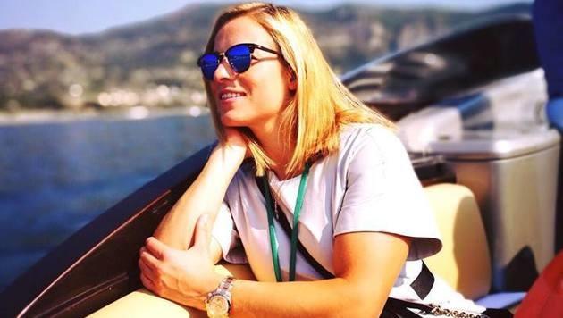 Lara Gut genießt die Sonne. (Bild: facebook.com/Lara Gut)