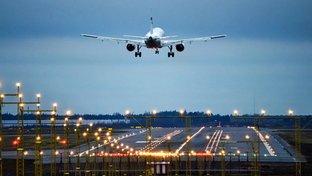 Würden Sie in ein Flugzeug ohne Piloten steigen? (Bild: thinkstockphotos.de)