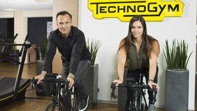 "Olympiasiegerin Anna Veith mit Gottfried Wurpes, Gründer von ""The Fitnesscompany"". (Bild: The Fitnesscompany)"