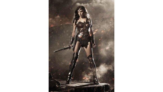 "Gal Gadot als Wonder Woman in ""Batman v Superman: Dawn of Justice Stills"" (Bild: Viennareport)"