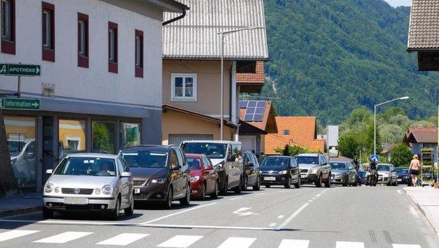 Stau auch in Kuchl: Der Bürgermeister musste wie viele  mit dem Rad einkaufen fahren. (Bild: Gerhard Schiel)