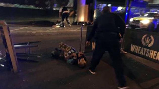 Diese Aufnahme zeigt die getöteten Angreifer. (Bild: twitter.com)