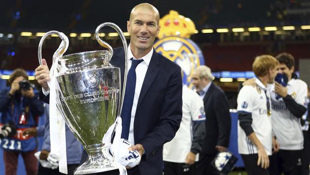 So schön feierten Ronaldo und Co. in Cardiff (Bild: AP)
