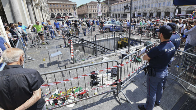 Massenpanik: Intensive Suche nach Verursachern (Bild: AP)