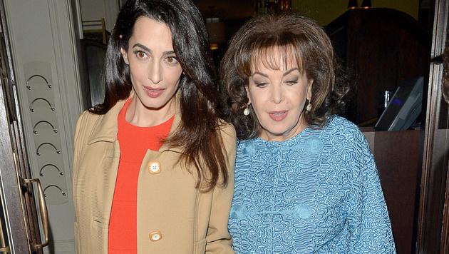 Amal Clooney mit ihrer Mama Baria Alamuddin (Bild: Matrix Media Group/face to face)