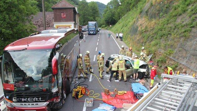 Einsatzkräfte versuchten leider erfolglos, das Leben von Christian S. (34) zu retten (Bild: Berufsfeuerwehr Linz)