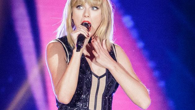 """Taylor Swift: """"Er griff mir auf nackten Hintern"""" (Bild: AFP)"""