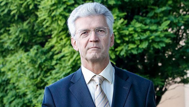 Hofrat Eduard Paulus am Weg zum Gericht (Bild: Markus Tschepp)