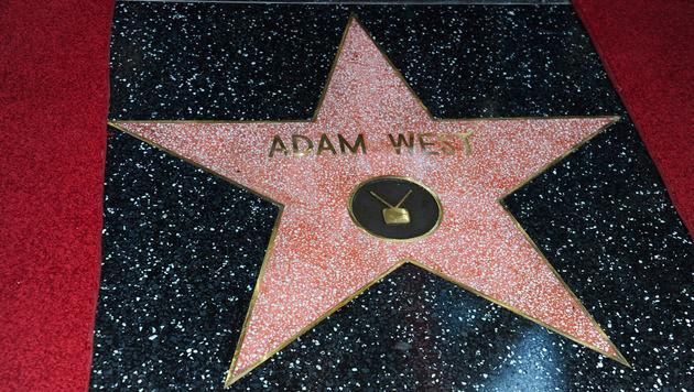 2012 bekam Adam West seinen Stern am Walk of Fame in Hollywood. (Bild: AFP)