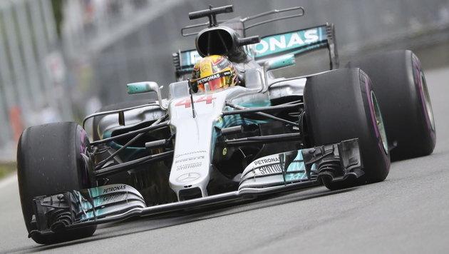 Lewis Hamilton holt Pole vor Sebastian Vettel (Bild: AP)