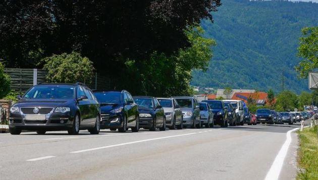 Stau auf der Salzachtal Bundesstraße zwischen Kuchl und Golling. (Bild: Gerhard Schiel)