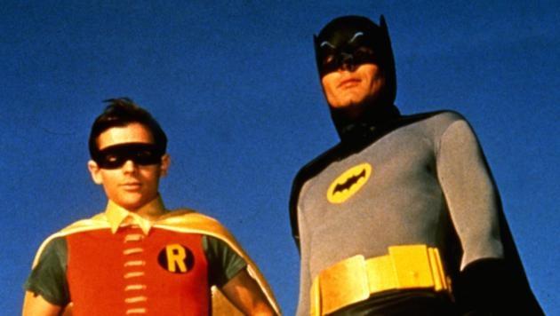 Adam West und Burt Ward verkörperten Batman und Robin von 1966 bis 1968 in 120 Folgen.