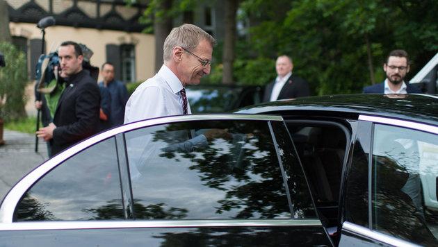 Als stv. Bundesparteiobmann der ÖVP wird LH Stelzer öfter ins Auto nach Wien steigen müssen... (Bild: EXPA/Michael Gruber)