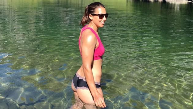 Wendy Holdener genießt den Sommer am See. (Bild: instagram.com/WendyHoldener)