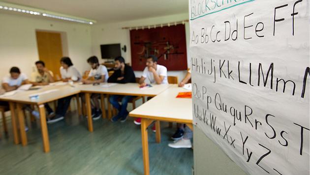 Jeder 3. Asylwerber fällt bei Deutschkurs durch (Bild: Roland Muehlanger)