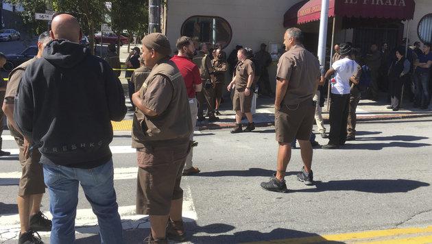 Schießerei in Paketdienstzentrale: Tote, Verletzte (Bild: AP)