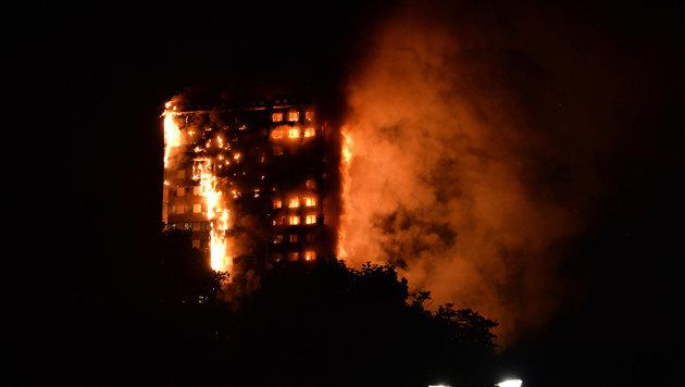 """Hochaus-Inferno: """"Leute tot, weil gespart wurde!"""" (Bild: AFP)"""