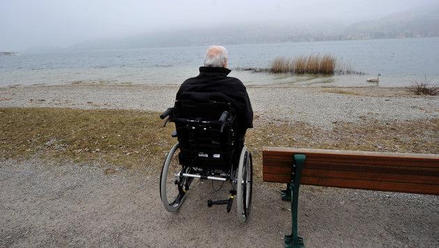 In den letzten Jahren lebte Kohl - gezeichnet von schwerer Krankheit - sehr zurückgezogen. (Bild: AP)