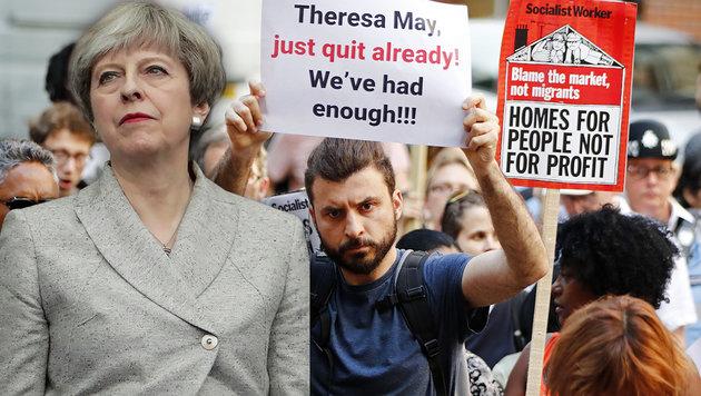 """Proteste gegen May: """"An deinen Händen klebt Blut!"""" (Bild: APA/AFP/TOLGA AKMEN, APA/AFP/THOMAS SAMSON)"""
