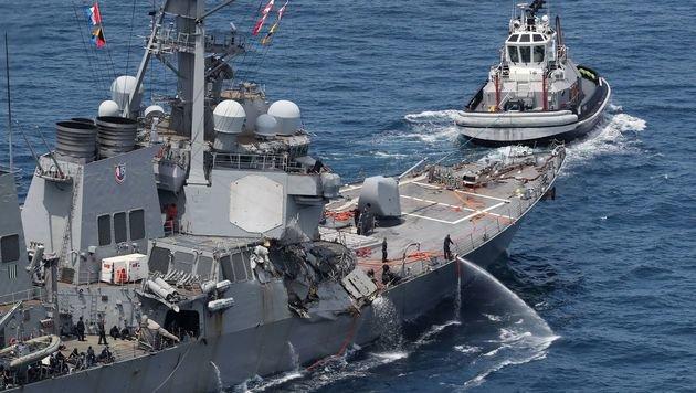 US-Zerstörer kollidiert mit Frachter: 7 Tote (Bild: AFP)