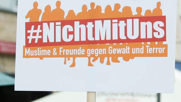 """Nicht einmal 300 Muslime bei Anti-Terror-""""Marsch"""" (Bild: AFP or licensors)"""