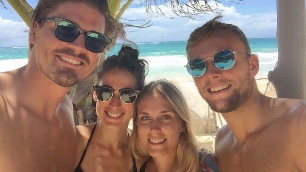 ÖFB-Teamspieler Sebastian Prödl traf am Strand von Mexiko Ex-Bremen-Kollege Lennart Thy. (Bild: facebook.com)