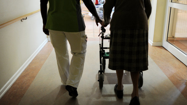 Was bringt die Abschaffung des Pflegeregresses? (Bild: APA/dpa/Angelika Warmuth)