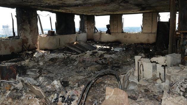 So sieht es nach Inferno im Londoner Hochhaus aus (Bild: AFP)