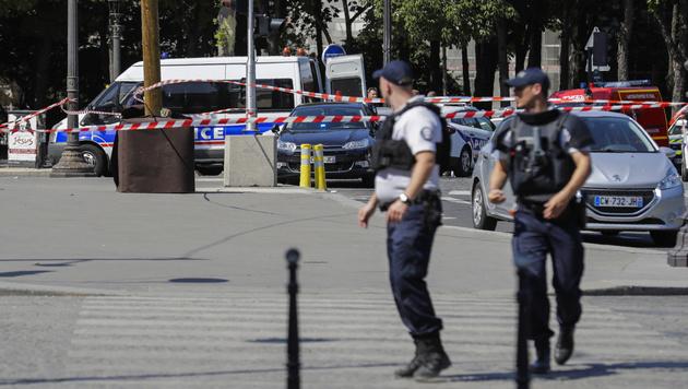 Auto-Attacke auf Pariser Polizei: Islamist getötet (Bild: AFP)