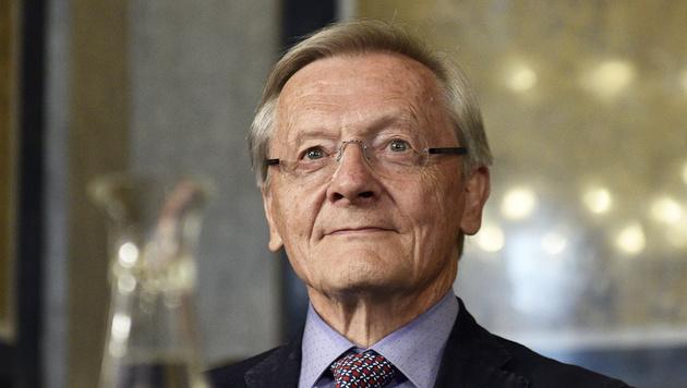 """Schüssel bei Befragung: """"Ich bin nicht Dr. Lüssel"""" (Bild: APA/HANS PUNZ)"""