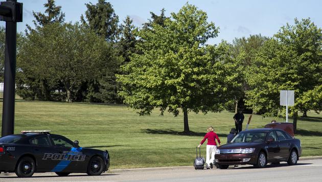 """Täter rief """"Allahu Akbar"""", stach Polizist nieder (Bild: AP)"""