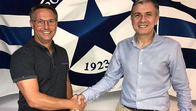 Damir Canadi mit dem Technischen Direktor von Atromitos Athen, Ioannis Angelopoulos (Bild: Atromitos Athen FC)