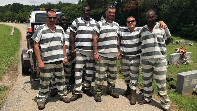Diese sechs Häftlinge im US-Bundesstaat Georgia wurden zu Lebensrettern. (Bild: WXIA-TV)