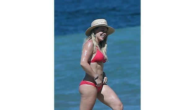 Eigentlich ist Hilary Duff bis in die Zehenspitzen trainiert, kleine Dellen zeigen sich aber doch. (Bild: www.PPS.at)