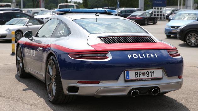 Mit diesem Porsche macht Polizei Jagd auf Raser (Bild: Zwefo)