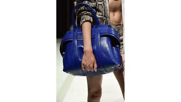 Blaue XXL-Tasche von Tod's (Bild: www.fashionpps.com)