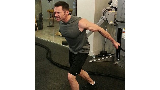 Bei so viel Konkurrenz bleibt Hugh Jackman am Ball und trainiert fleißig. (Bild: face to face)