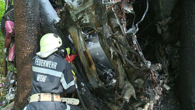 Lenker (23) mit Lkw in Wald abgestürzt - tot (Bild: BFV Liezen/Schlüßlmayr)