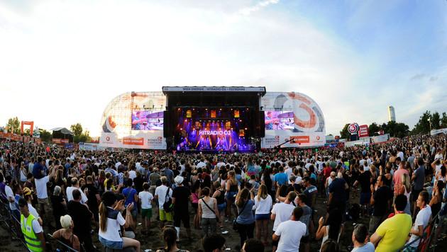 Tag 1 des 34. Donauinselfests startete mit Tropen-Feeling (Bild: APA/Herbert P. Oczeret)