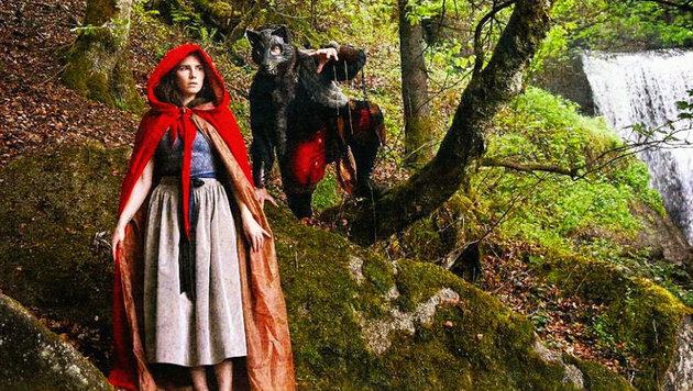 Amanda Knox als Rotkäppchen im Schwarzwald (Bild: instagram.com/AmandaKnox)