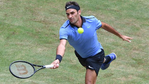 Roger Federer souverän im Halle-Halbfinale (Bild: AFP)
