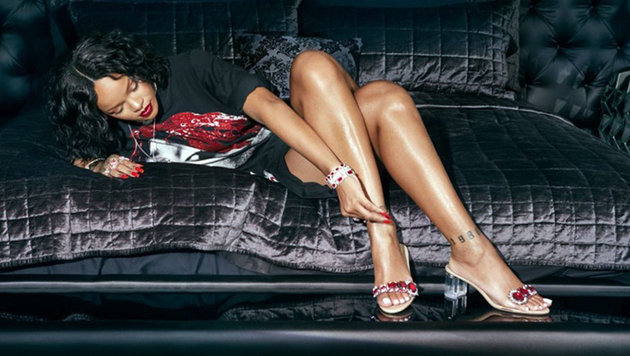"""""""So stoned"""": Rihannas funkelnde Manolo Blahniks (Bild: www.PPS.at)"""