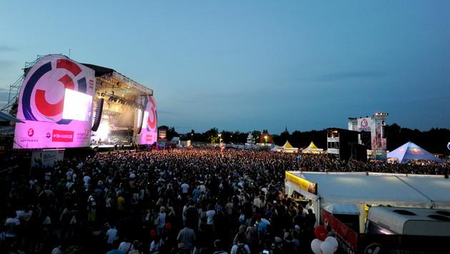34. Donauinselfest mit Tropen-Feeling gestartet (Bild: APA/HERBERT P. OCZERET)
