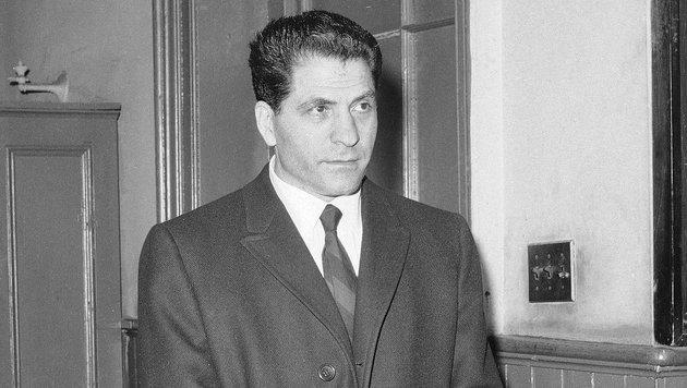 Sonny Franzese nach seiner Verhaftung 1966. Er soll für bis zu 50 Morde verantwortlich sein. (Bild: AP)