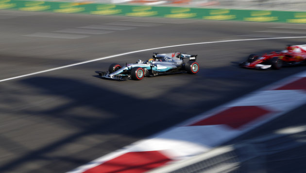 """Baku endet mit """"Krieg"""" zwischen Hamilton & Vettel (Bild: AP)"""