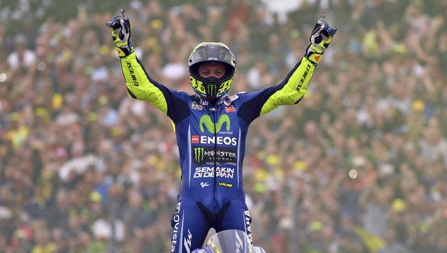 Rossi gewinnt spektakulären Grand Prix in Assen (Bild: AP)
