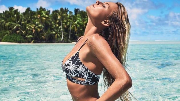 Surf-Star Alana Blanchard relaxt auf Tahiti. (Bild: instagram.com)