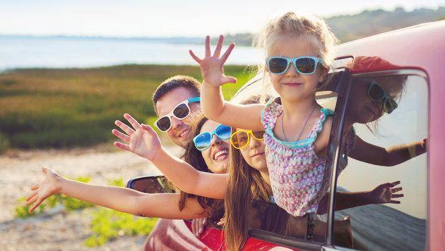 Österreicher fahren mit dem Auto in den Urlaub (Bild: thinkstockphotos.de)