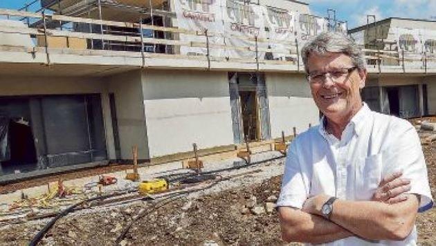 Mit Ansiedlung von Red Bull und â01EKindergarten-Dealâ01C ist Ortschef F. Tiefenbacher ein Wurf gelungen. (Bild: Markus Tschepp)