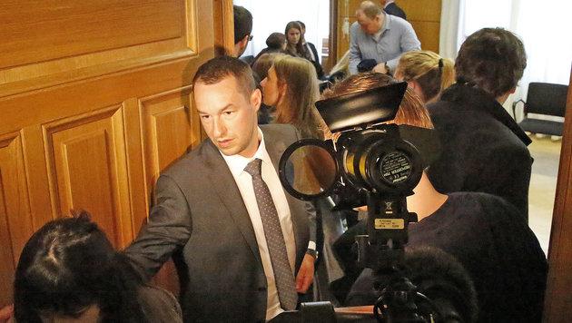 Wolfram Proksch (Bildmitte), Anwalt von vier Beschwerdeführern (Bild: Martin Jöchl)
